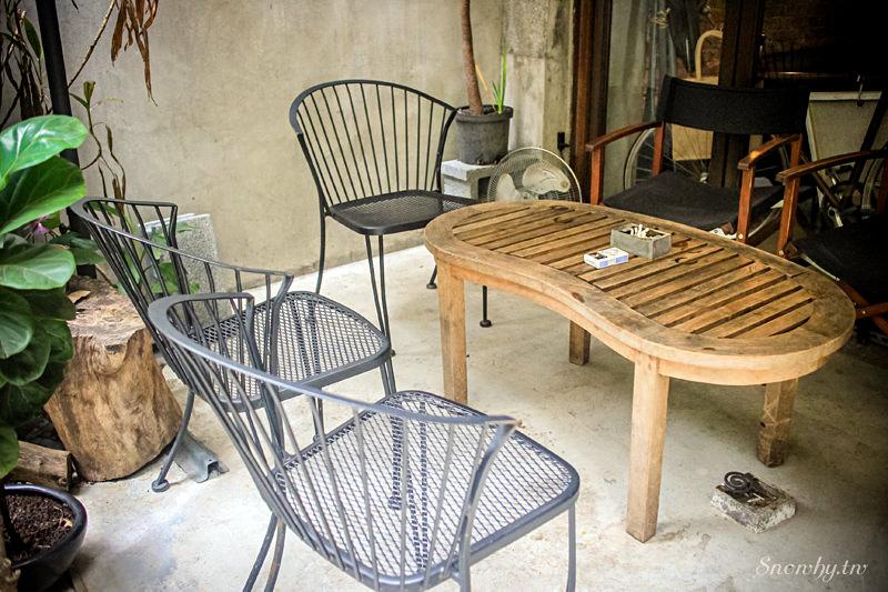 台北大安,2J cafe老屋改造韓系復古咖啡廳,喝咖啡配韓式起司年糕/大安森林公園站