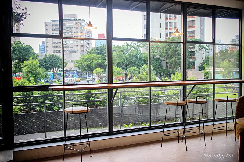 日子咖啡 nichi nichi +park 公園二店