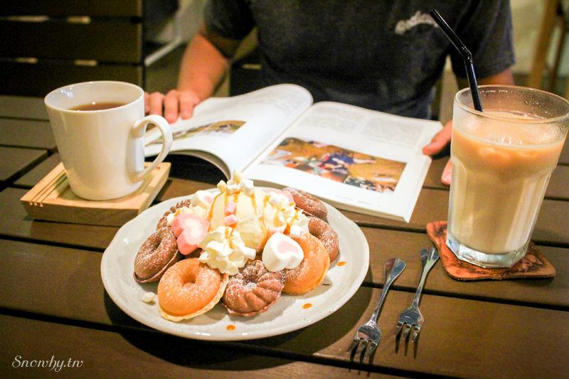 桃園中壢 |  Mars Coffee手沖咖啡、繽紛甜甜圈小鬆餅!
