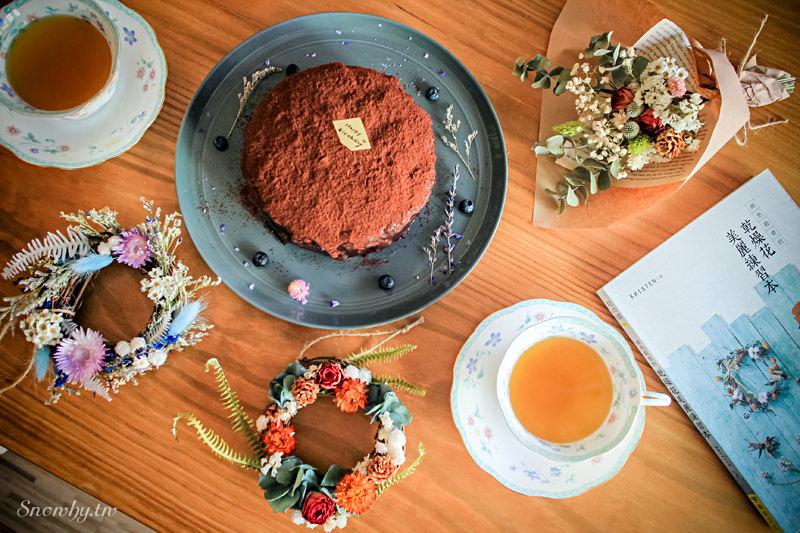 新竹竹北 | 拾米豐瓶手作乾燥花束 夢幻花圈 美味甜點.女孩們的花藝練習曲