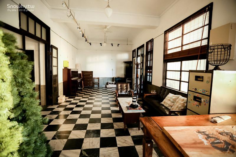 桃園美食,桃園八德咖啡廳, 八塊畫室咖啡館,老診所改建,文青最愛,偶像劇拍攝場景