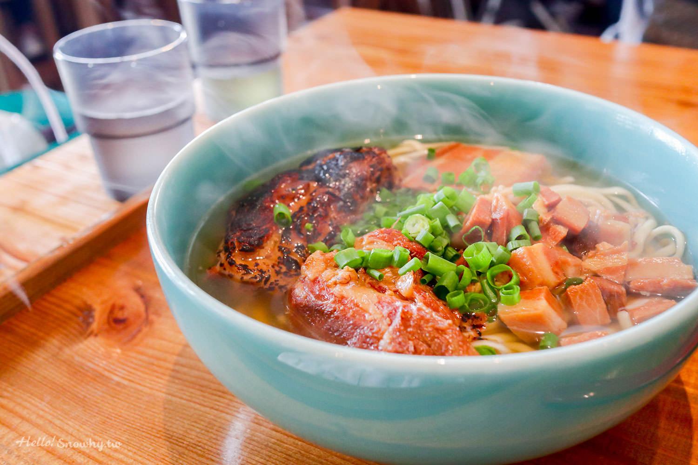 沖繩美食 | OKINAWA SOBA EIBUN 沖繩麵.宛如咖啡廳館、在地人也推薦的藍碗沖繩麵