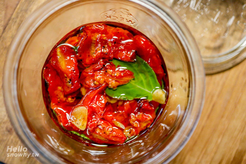 週末上菜,義式橄欖油漬番茄.簡單的居家常備菜!