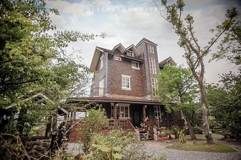 宜蘭 | 北方札特 North Zart ♥ 帶著原木香氣的歐式木屋與英格蘭風格古堡! (古堡館)