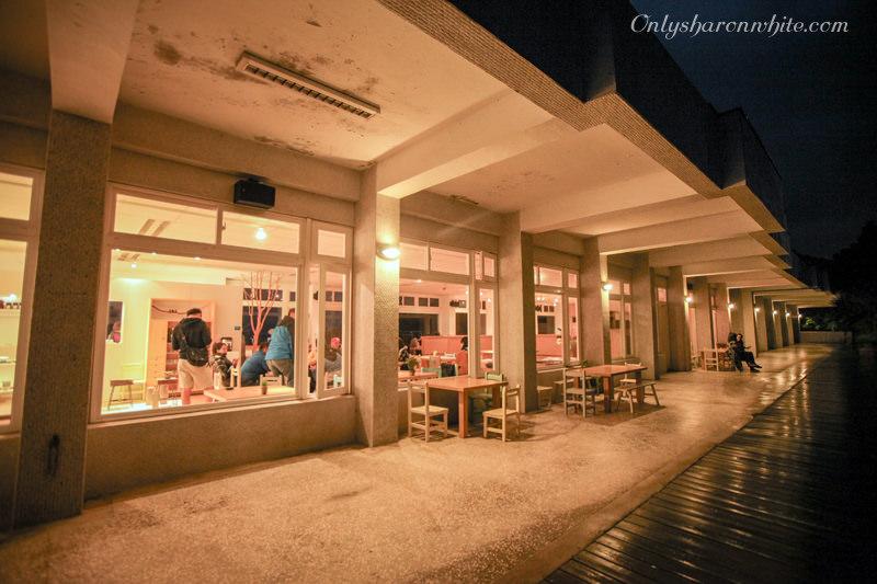 新北石門景觀咖啡 | 白日夢Tea & Café.癈棄國小改建咖啡館 (遠得要命的國小咖啡)