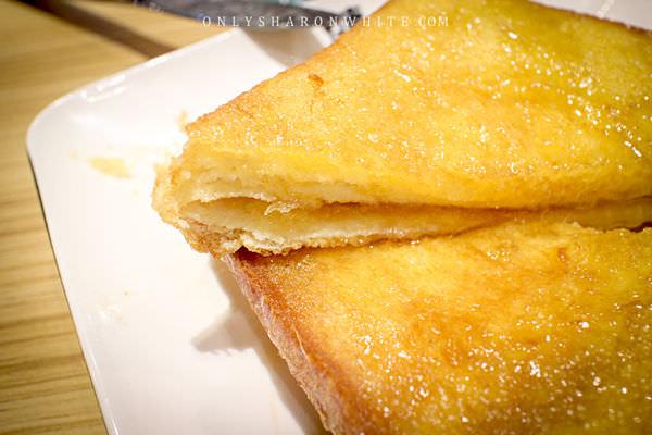 西多士的做法和法式吐司相同 都是將吐司沾上蛋液後 ...