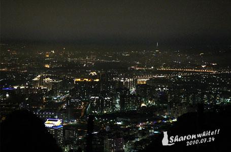 分享 | 三峽鳶山峭壁夜景